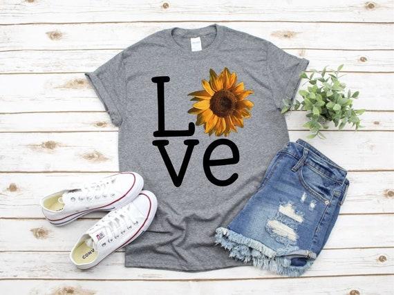 LOVE SUNFLOWER t-shirt / Fall Outfit ideas / Flower lovers t