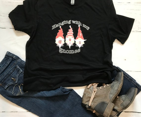 HANGING with my GNOMES Christmas Wine/Beer T-shirt