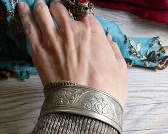 """Vintage Tribal Bracelet Slightly Refurbished Size 7.5"""" Adjusts (#6220)"""