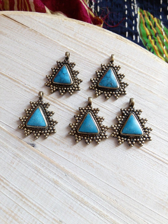 5x  Brass Triangular Pendants Aqua Blue Center DIY Jewelry Supplies (#7231)