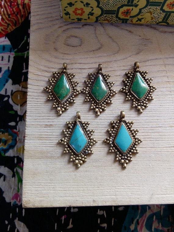 5x  Brass Pendants Set of Green and Light Blue DIY Jewelry Supplies (#7225)