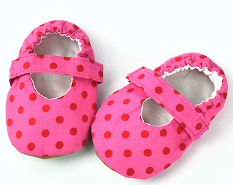 18-24 Months Mary Janes with elastic strap-Baby girl shoes-vegan slippers-soft sole baby shoes-infant shoes-Faux lea<ther shoes- Baby shower