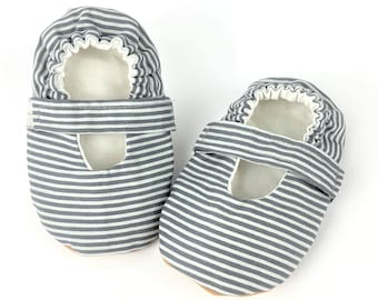 18-24 Months Mary Janes with elastic strap-Baby girl shoes-vegan slippers-soft sole baby shoes-infant shoes-Faux lea<ther shoes