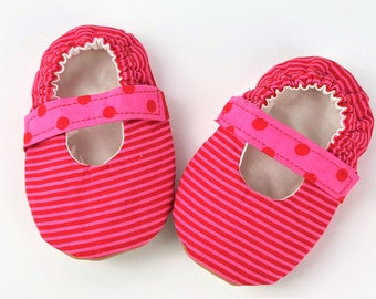 12-18Months Mary Janes with elastic strap-Baby girl shoes-vegan slippers-soft sole baby shoes-infant shoes-Faux lea<ther shoes- Baby shower