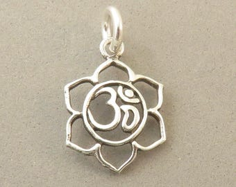OM SIGN in Open FLOWER .925 Sterling Silver Charm Pendant Aum Omkara Hindu Symbol Yoga Faith India Nepal New sy12