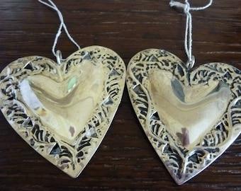 2 metal hanging heart