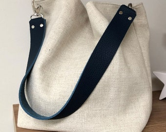 Ivory linen hobo bag with removable navy blue leather handle / Ecru shoulder bag, sportswear style / Canvas tote bag, large leather handle