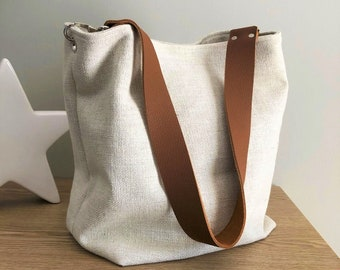 Ivory linen hobo bag with removable camel leather handle / Ecru shoulder bag, sportswear style / Canvas tote bag, large soft leather handle