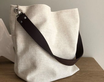 Ivory linen hobo bag with removable brown leather handle / Ecru shoulder bag, sportswear style / Canvas tote bag, large soft leather handle