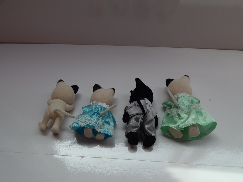 Vintage Calico Critters Sylvanian Charcoal Cat Family Lot of 4 Epoch Dad Mom and Twin Sisters