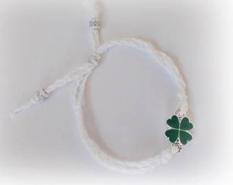 Clover Bracelet Green clover Bracelet Crochet clover bracelet Green Four Leaf Clover Bracelet Tiny Clover Bracelet lucky charm 4 leaf