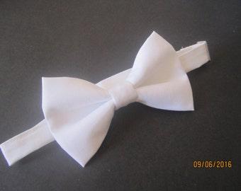 White cotton bow tie, Men's White bow tie, Boy solid white bow tie, White bow tie for boy, Solid white bow tie, White wedding bow tie