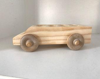 8 seater peg car