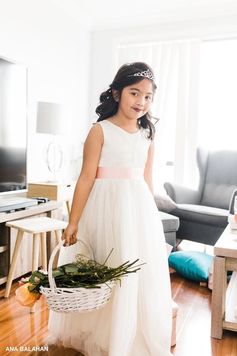 153aad588a51 Vestito ragazza di fiore con scollo a v abito piano integrale