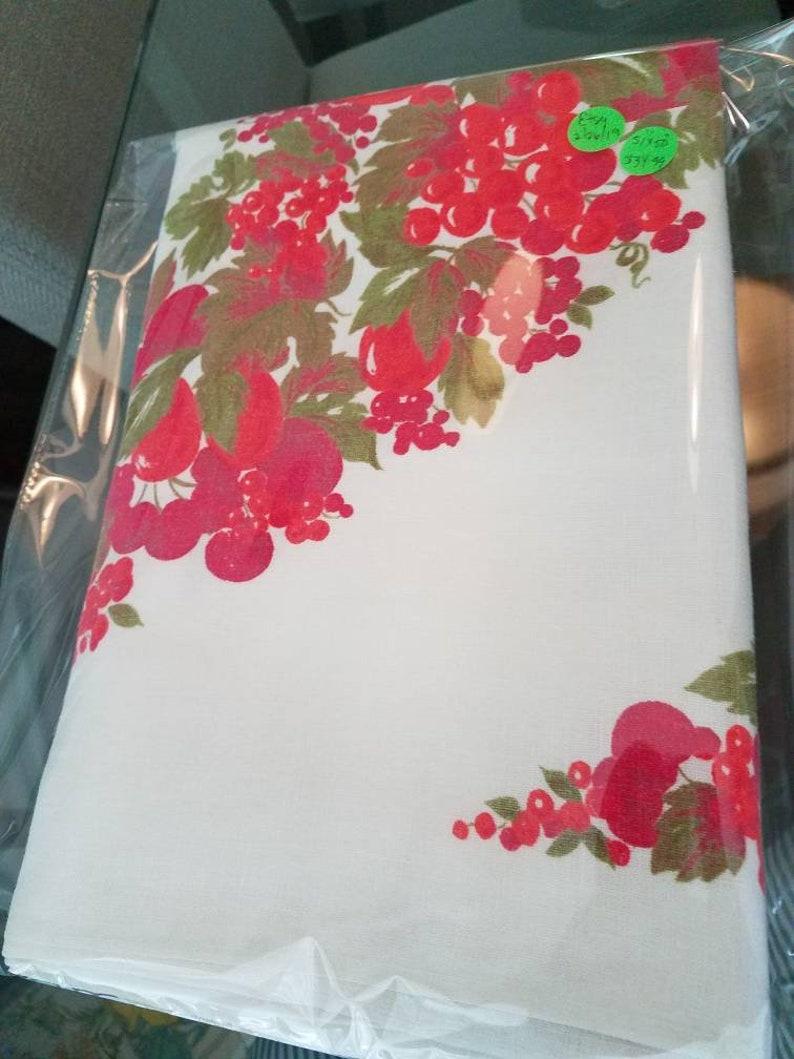 Beautiful Vintage Retro BOLD FRUITY PRINT Linen Cotton 51 x 50 Tablecloth