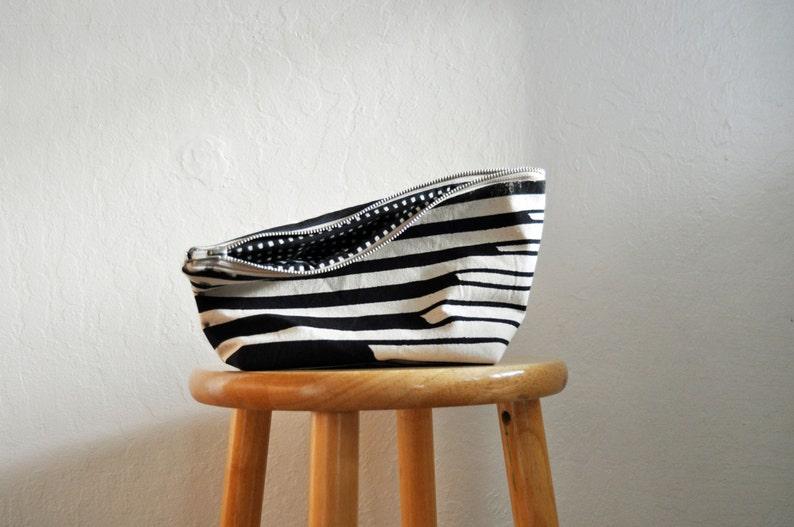zipper bag  swell  medium  handprinted  black and white