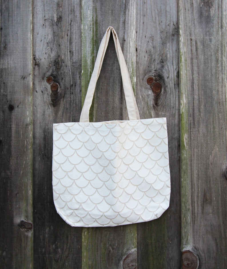 simple tote  scales  handprinted  white