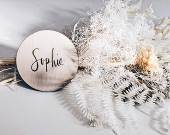 Wooden baby name plaque / Milestone cards / Birth announcement / Baby plaque / Newborn gift / Calligraphy / Custom Personalised Disc / Name