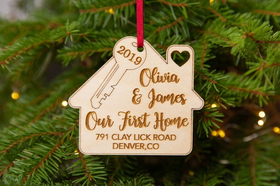 COUPLES OUR 1ST CHRISTMAS IN NEW HOME HOUSE PERSONALIZED CHRISTMAS TREE ORNAMENT
