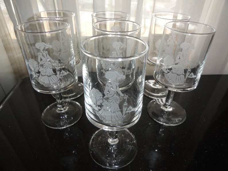 Vintage 1970/'s AVON Victorian Lady With Parasol Christmas Gift Collection Set of 7 White Etched Footed Wine Glass Goblets