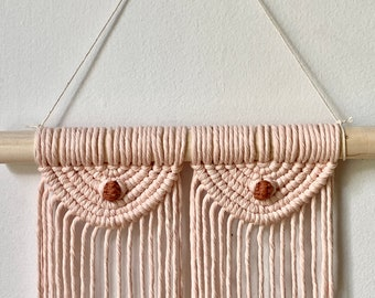 Macrame boobs wall hanging, breast macrame, macrame for women, women's bodies, racial and bodily diversity, gift for her, boho montreal,
