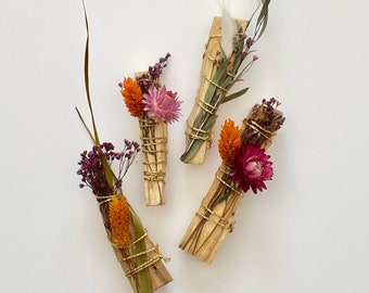 Whole sale Spiritual smudge stick, Powerful, palo santo wholesale , dried flowers bundles, purification bundle, wedding gifts, corpo gifts
