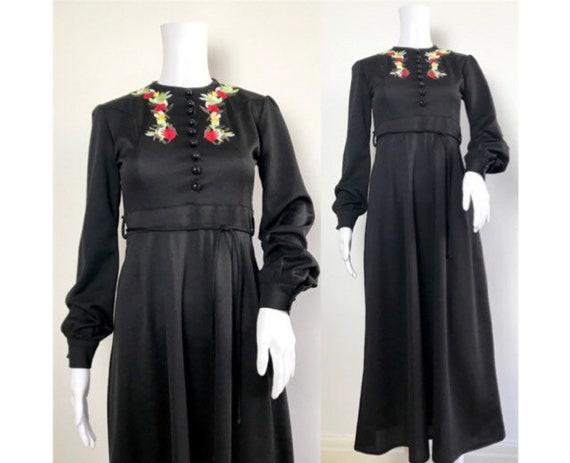 Vintage 1970s Black Floral Long Sleeved Embroidere