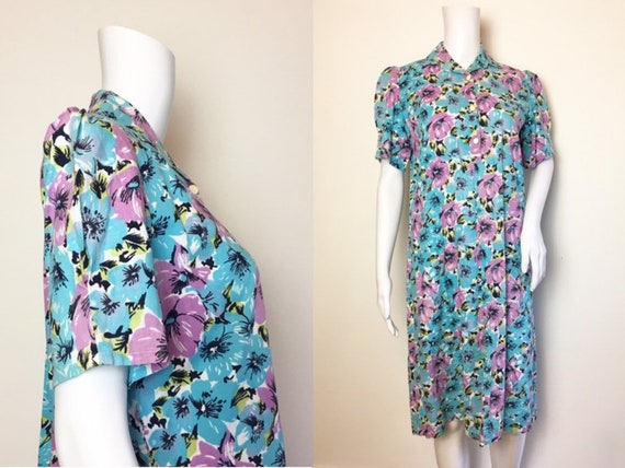SALE Vintage 70s does 40s Blue Lilac Cotton Pansy