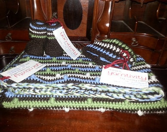 Modern Baby Set - Blanket, Booties & Hat by Yarntivity - FREE SHIPPING