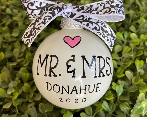 Personalized Mr & Mrs Ornament - Personalized Wedding Ornament - Anniversary Ornament