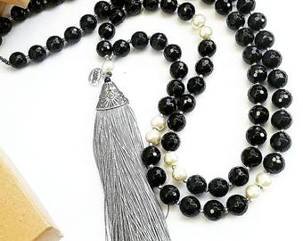 Mala Necklace / Bohemian Jewelry / Gemstone Jewelry / Yoga Jewelry / Onyx / Pearls