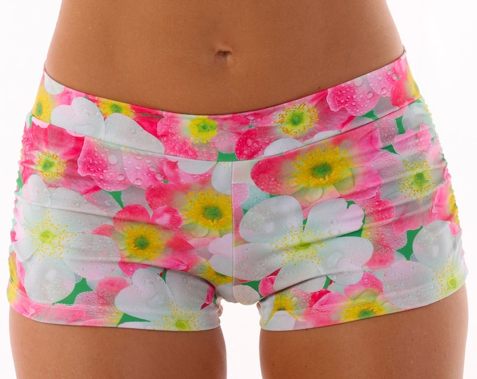 Isabella Shorts in Daisy Dew