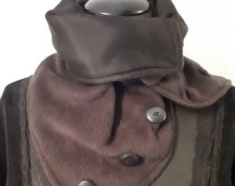 Fleece scarf with silk lining