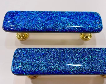 Frozen ice turquoise blue glass cabinet pulls and knobs. Glass cabinet hardware. Custom home decor. Unique glass cabinet and drawer hardware