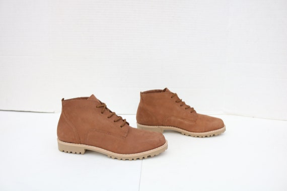 ELLEMENNO  brown ankle lace up boots  booties ladi