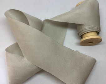 FRENCH LINEN hand dyed silk habotai ribbon//plant dyed//wedding ribbon//bouquet ribbon//styling ribbon//photo prop//gift ribbon//green//grey