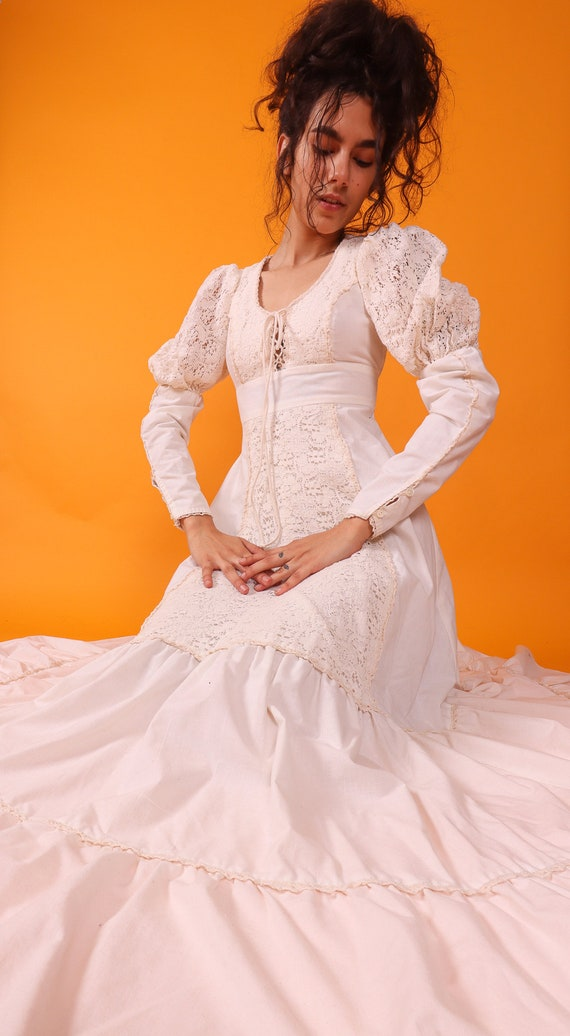 Vintage 'Gunne Sax by Jessica' White Peasant Renaissance Crotched Sleeve Lace Up Bust Dress | Wedding | Boho | Festival