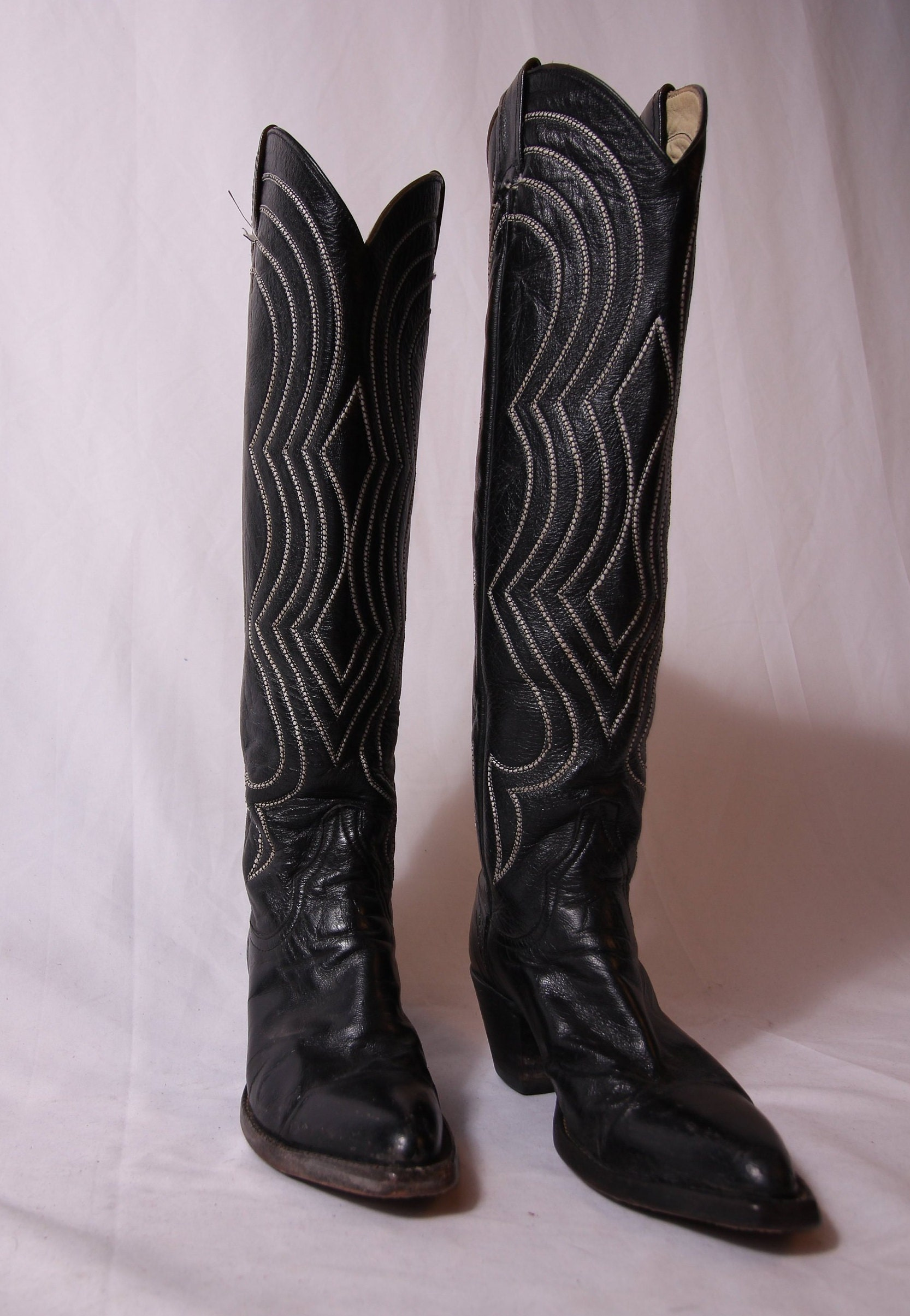 987e25e9fb6 Vintage Larry Mahan's Tall Black Leather Cowyboy W/ White Stitching ...