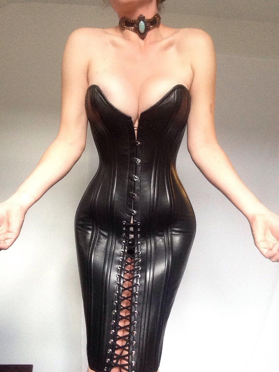 Leather neck corset