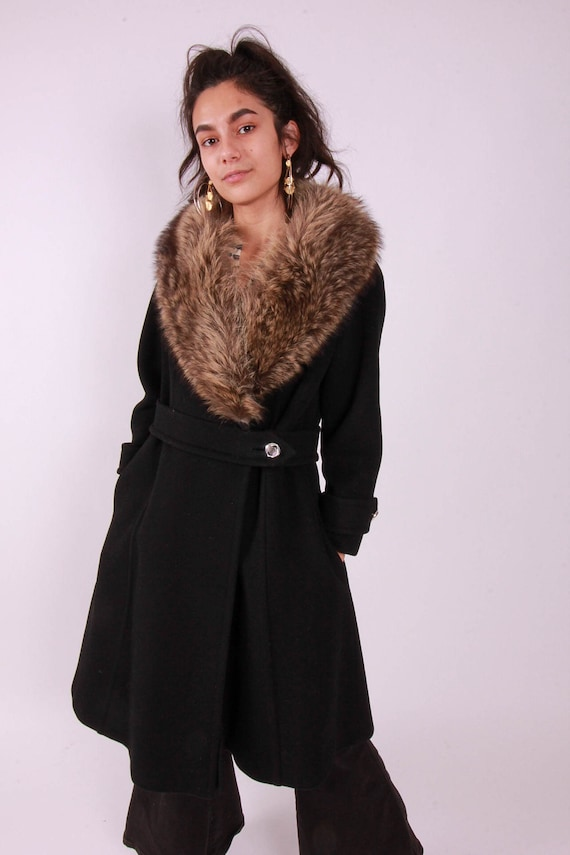 Vintage 1960's Classic Retro Peacoat 'Stegari' Black Wool Coat W/ Large Brown For Collar | Classic Style | Winter Coat