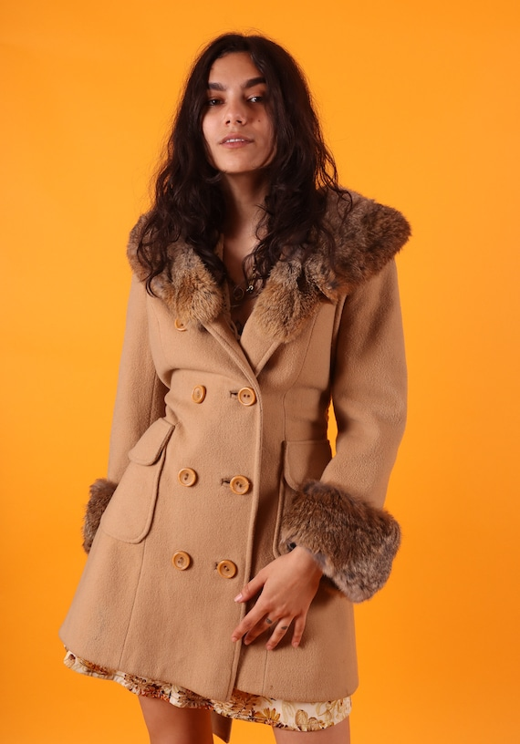 Vintage 1960's Penny Lane Tan Peacoat W/ Fur Collar and Cuffs | Timeless | Flattering