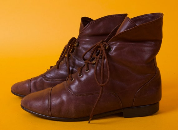 Vintage 90's Brown Leather Lace Up Ankle Booties | Boho Casual Street Wear | Perfectly On Trend