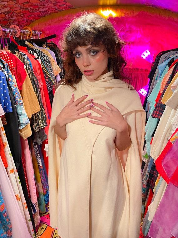 Vintage 1960's C'est Simone Cream White Cape Jacket W/ Fur Tails