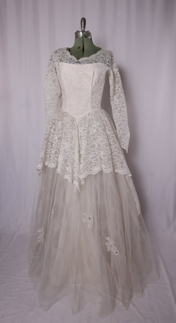 Vintage 1950's White Lace Princess Ballgown Wedding Dress | Timeless | Tiered | Scalloped Back