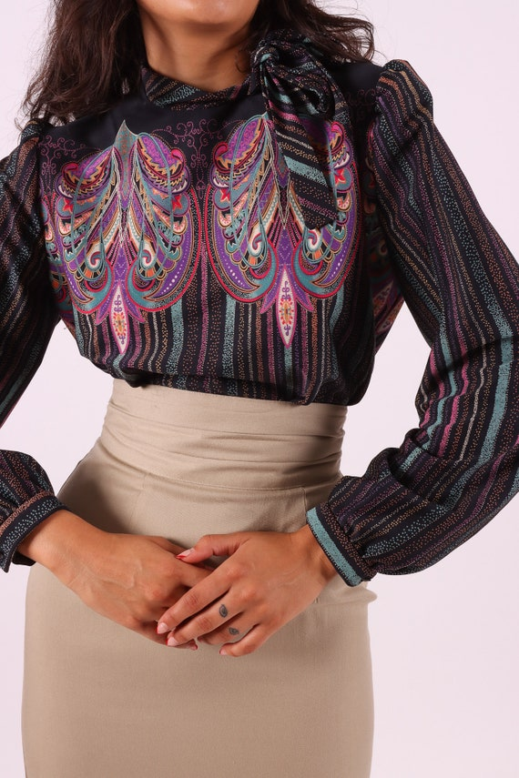Vintage 1970's 'Wilroy VIP Collection' Purple Psychedelic Abstract Turtleneck Blouse W/ Large Bow
