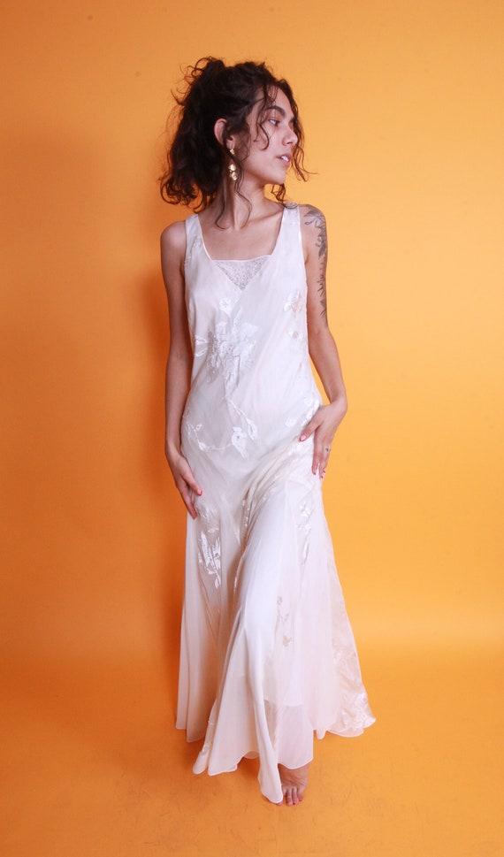 Vintage 'Alex Evening' White Romantic Flowing Dress | Silk Flowers | Beaded | Flared | Mermaid | Wedding
