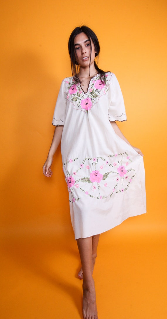 Vintage Mexican Cream White Neon Pink Embroidered Dress | Housedress | Boho | Festival