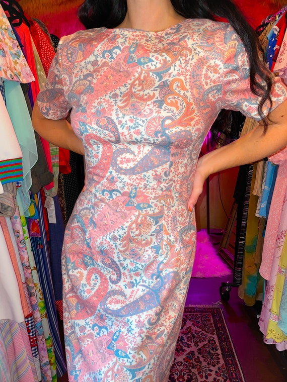 Vintage 1960's Retro Dusty Rose Paisly Wiggle Dress