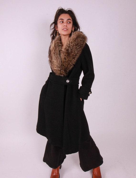 Vintage 1960's Classic Retro Peacoat 'Stegari' Black Wool Coat W/ Large Brown For Collar | Classic Style | Winter Coat