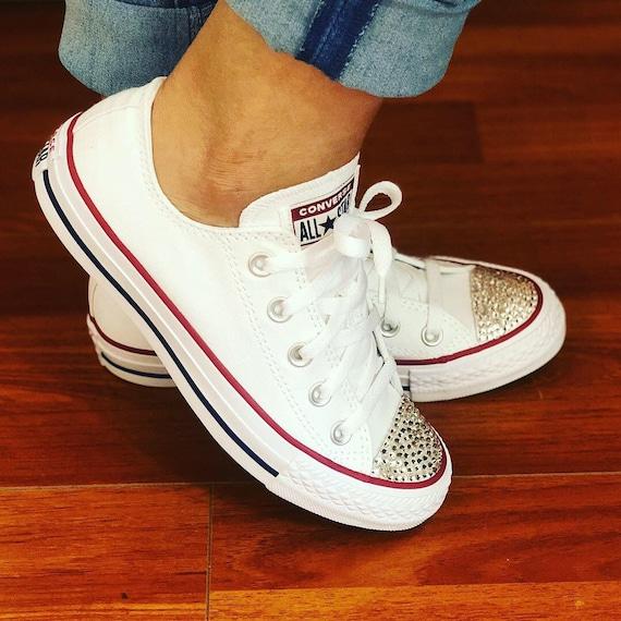 80c69c6e195c Damen weiß benutzerdefinierte Converse Sneaker mit Bling